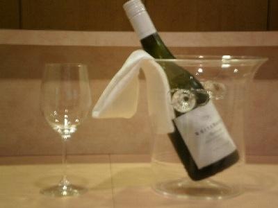ワインを用意してお待ちしています。