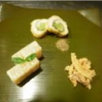 先附 三種盛 (アスパラ巻 煮凍り 骨煎餅)